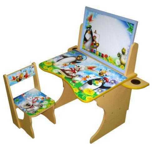 Удобный, многофункциональный детский столик со стульчиком, предназначенный для занятий ребенком на начальном этапе его учебы. Изготовлен данный комплект из качественных, прочных и безопасных материалов, с защитным слоем ламинации.
