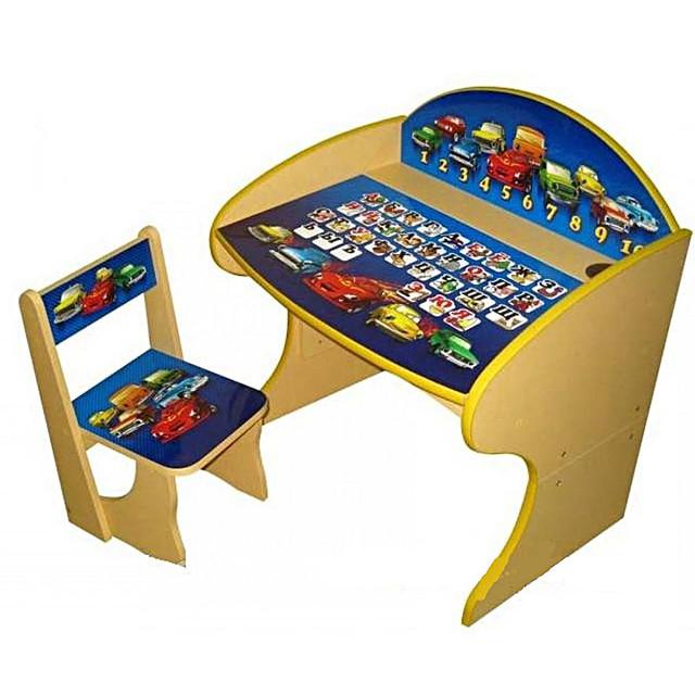 Детская парта Тачки - это многофункциональная, современная, комфортная и очень удобная парта для занятий в возрасте от 2 до 7-8 лет. В комплекте со столиком идет небольшой удобный стульчик, который как и столик регулируется по высоте.