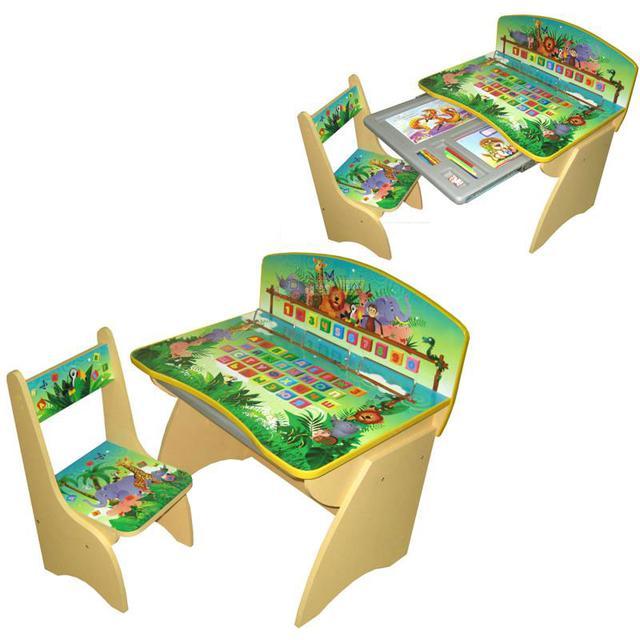 Оригинальная детская парта Джунгли, с выдвижным пеналом и возможностью регулирования высоты, что делает возможным использовать ее в возрасте от 2 до 8-9 лет. Также в комплекте со столиком идет удобный стульчик, который тоже можно регулировать по высоте.